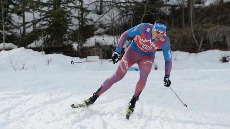 الروسي أوستيوغوف يفوز بذهبية التزلج