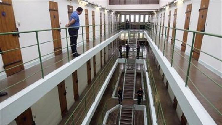 فرنسا.. السجن 10 سنوات لـ