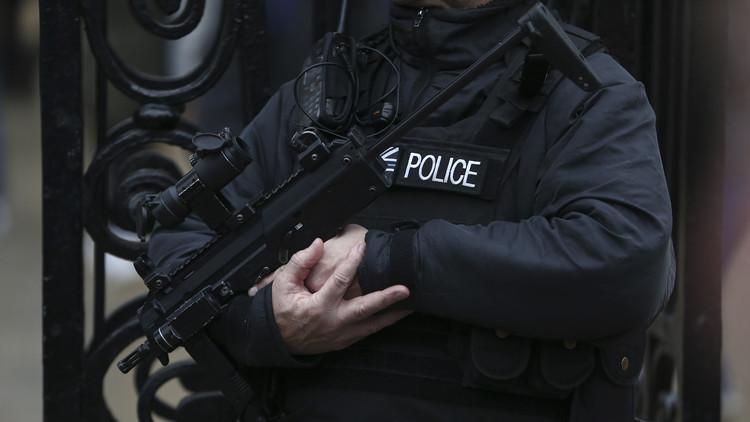 شرطة لندن توقف رجلا وصل من القاهرة للاشتباه بتحضيره لهجمات إرهابية