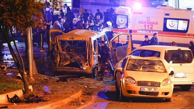 وفاة شرطي تركي أصيب في هجوم بشيكتاش باسطنبول