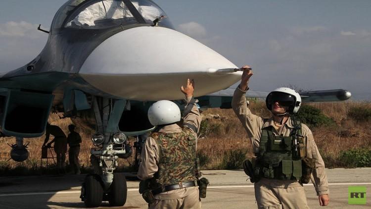 رئيس الأركان السورية يودع حاملة