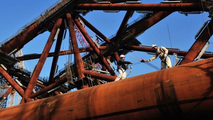 تباين أسعار النفط مع نهاية أسبوع التداول