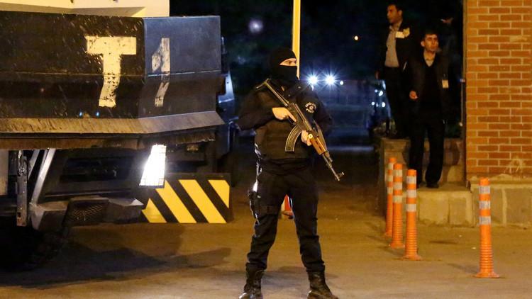أنقرة تحتجز 18 شخصا على ذمة هجوم إزمير وتتهم