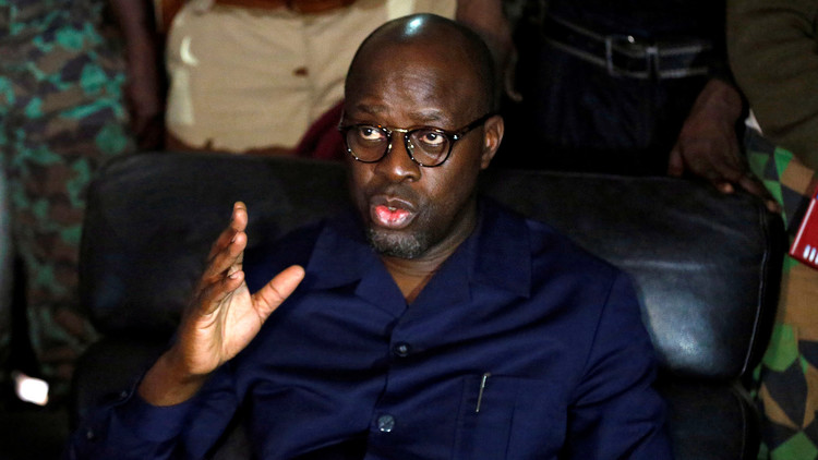 متمردو ساحل العاج يطلقون سراح وزير الدفاع