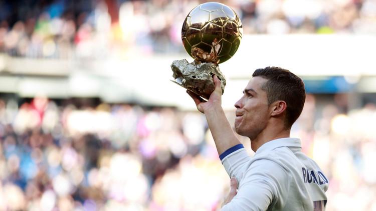 قراء RT يتوقعون فوز رونالدو بجائزة الفيفا لأفضل لاعب في العالم