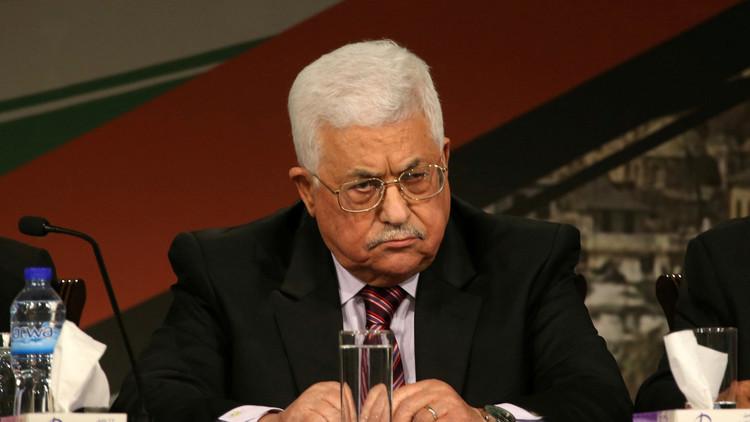 عباس يحذر ترامب من آثار مدمرة ويستعين بالزعماء الآخرين
