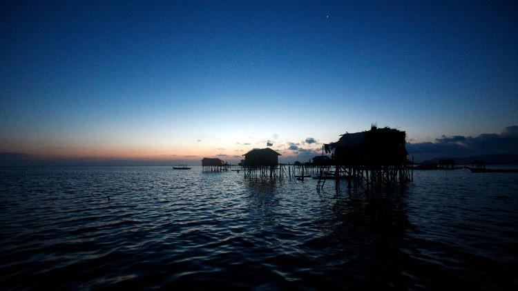 زلزال قوي يضرب منطقة بين إندونيسيا والفلبين