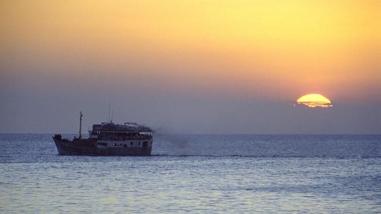 مقتل ما لا يقل عن 12 شخصا في انقلاب مركب قبالة ساحل تنزانيا