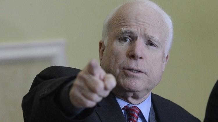 ماكين: يجب على الكونغرس إيقاف روسيا