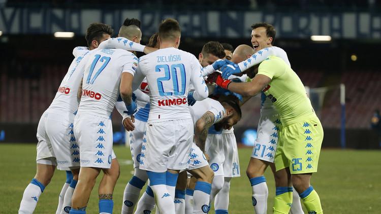 نابولي يبلغ ربع نهائي كأس إيطاليا