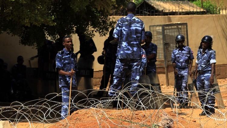 الإفراج عن 4 معارضين سودانيين