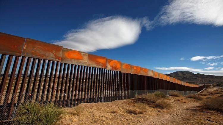 الرئيس المكسيكي يتعهد بالدفاع عن الاستثمارات ضد تهديدات ترامب