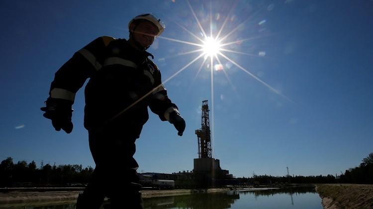 نوفاك: خفضنا إنتاجنا النفطي في 10 أيام بكميات أكثر من المخطط