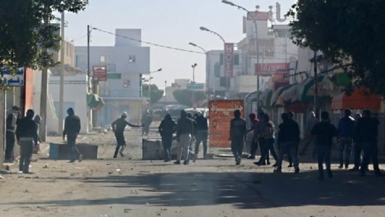 مواجهات عنيفة بين قوات الأمن ومتظاهرين في بنقردان التونسية