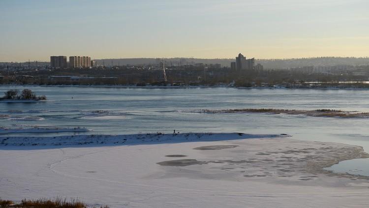 مقتل 3 أشخاص تجمدا في قاع خزان مياه شرق سيبيريا