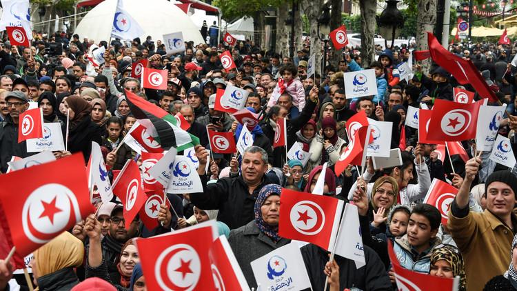 في الذكرى الـ6 لثورة تونس.. اتساع نطاق الاحتجاجات وسط إقرار الحكومة بفشلها الاقتصادي