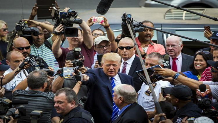 ترامب ينأى بالبيت الأبيض عن الصحفيين