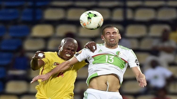 الجزائر تفلت من الهزيمة أمام زيمبابوي