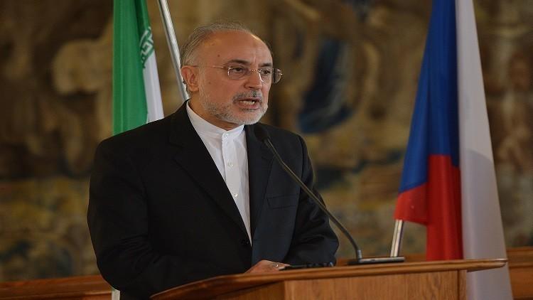 مسؤول إيراني يتوعد ترامب برد صادم إذا مزق الاتفاق النووي