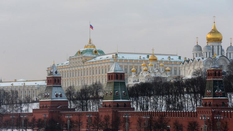 الكرملين: أوكرانيا تتخلى عن أراضيها قطعة بعد قطعة