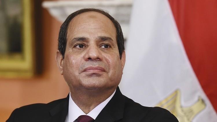 السيسي يصادق على ترقية قائد الحرس الجمهوري إلى رتبة فريق