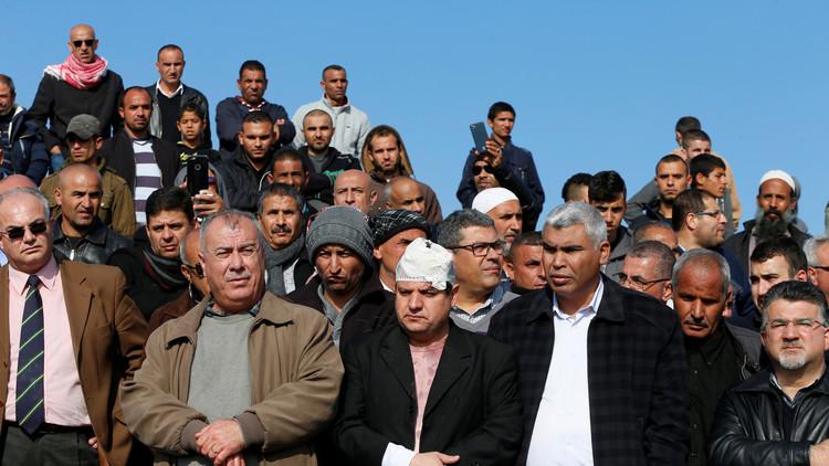 الفلسطينيون يعلنون الإضراب العام احتجاجا على هدم قرية أم الحيران