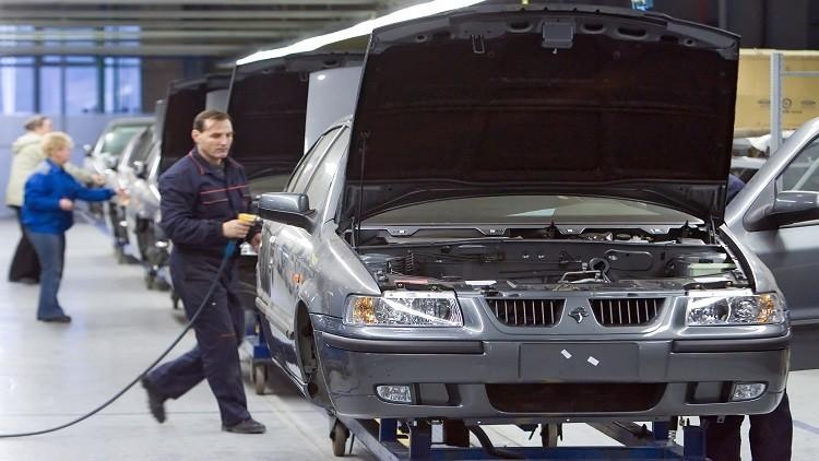 إيران تعتزم إنشاء مصنع سيارات في عمان