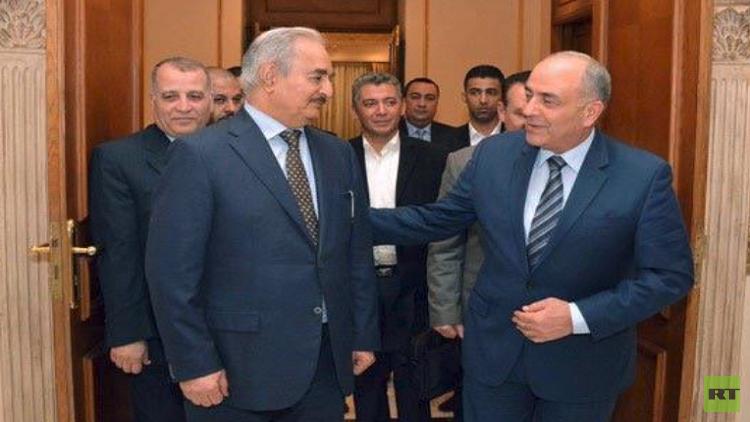 حفتر في القاهرة.. ودول الجوار تجتمع غدا لبحث الأزمة الليبية