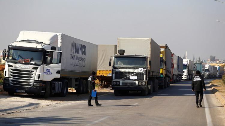 مساعدات تركية للسوريين النازحين من حلب