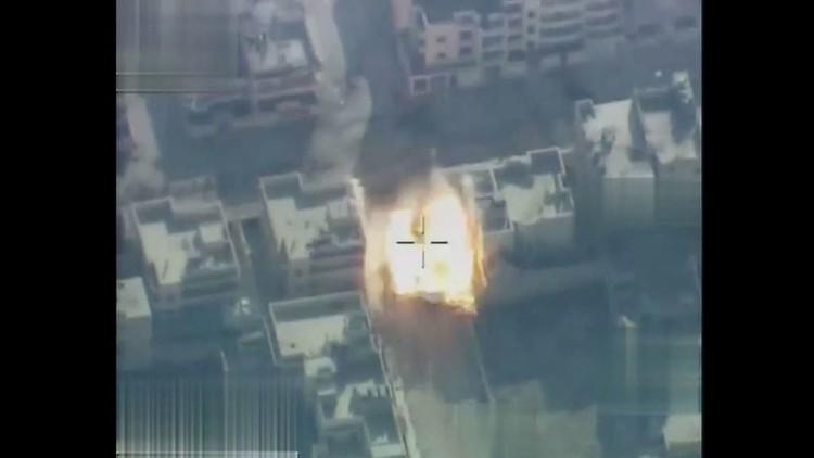 لحظة تدمير مركبة محملة بالقنابل تابعة لـ