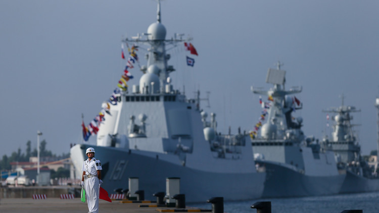 سفن حربية صينية تجوب مياه الخليج العربي