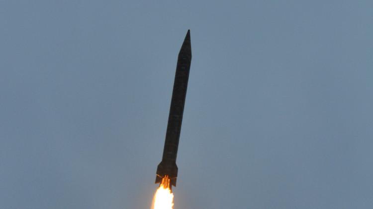 باكستان.. اختبار ناجح لصاروخ باليستي قادر على حمل رؤوس نووية