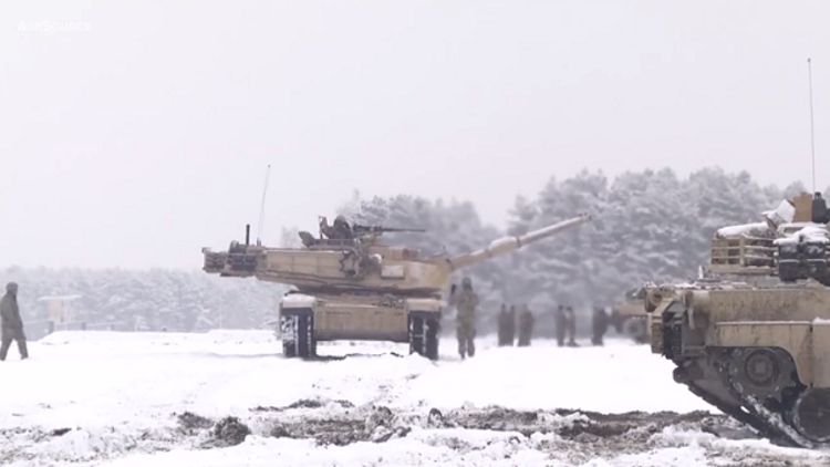 نيران الدبابات الأمريكية تعكر هدوء بولندا