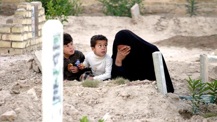 أهالي الموصل يدفنون موتاهم مرتين