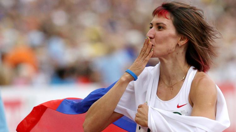 اللجنة الأولمبية تجرد بطلة روسية من ميداليتين