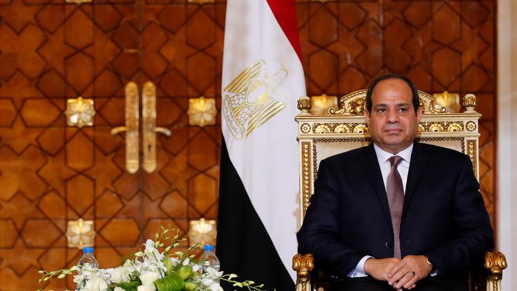 بالفيديو.. ردة فعل السيسي بعد هدف مصر