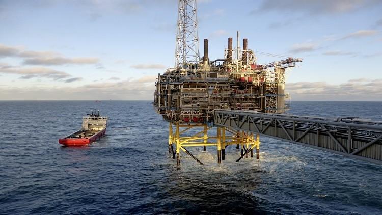 النفط يصعد مدعوما بتوقعات إيجابية