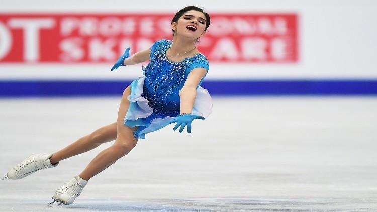ميدفيديفا تقترب من الدفاع عن لقب بطلة أوروبا للتزحلق الفني على الجليد