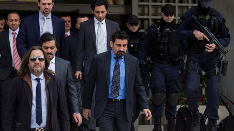 اليونان ترفض تسليم تركيا ضباط هاربين