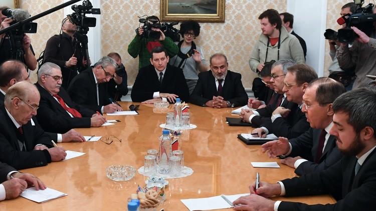 المعارضة السورية تبحث عن مخرج موحد في موسكو