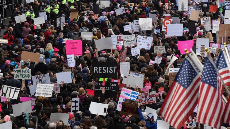 العلماء ينظمون مسيرة ضد ترامب