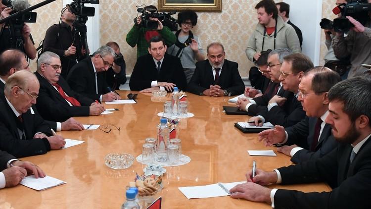 المعارضة السورية للافروف: سنشكل فرقا لصياغة الدستور