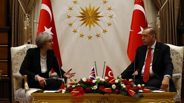أردوغان وماي يبحثان نتائج مفاوضات أستانا