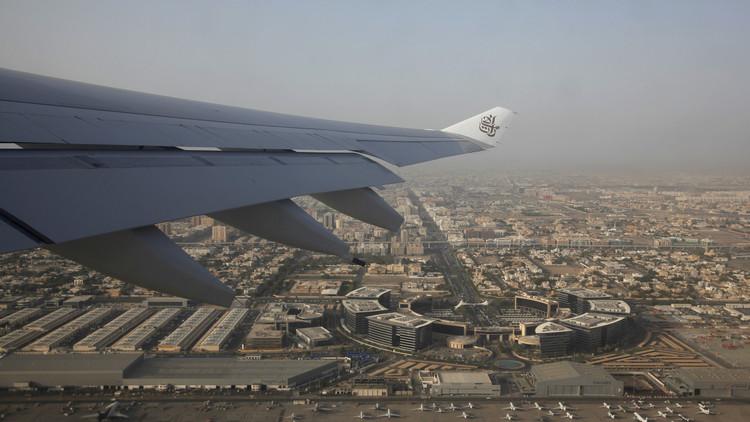 طيران الإمارات يستجيب لأمر ترامب بتحويل طياريه ومضيفيه من