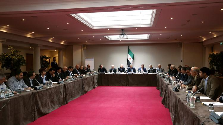 لافروف: مفاوضات جنيف يجب أن تعقد بمن حضر