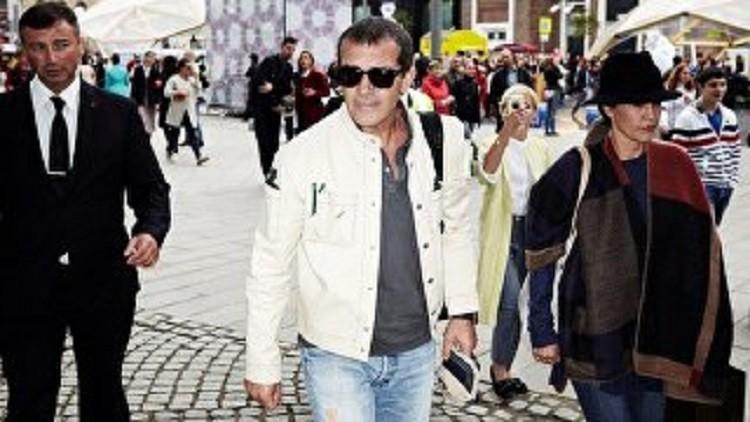 أنطونيو بانديراس يدخل المستشفى