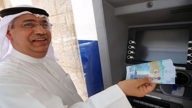 الكويت تعلن عجزا ضخما في الميزانية