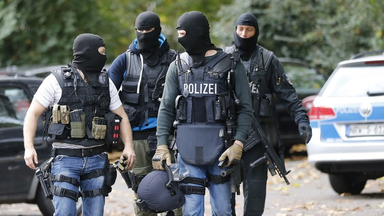 ألمانيا توقف 3 أشخاص للاشتباه بانتمائهم لـ
