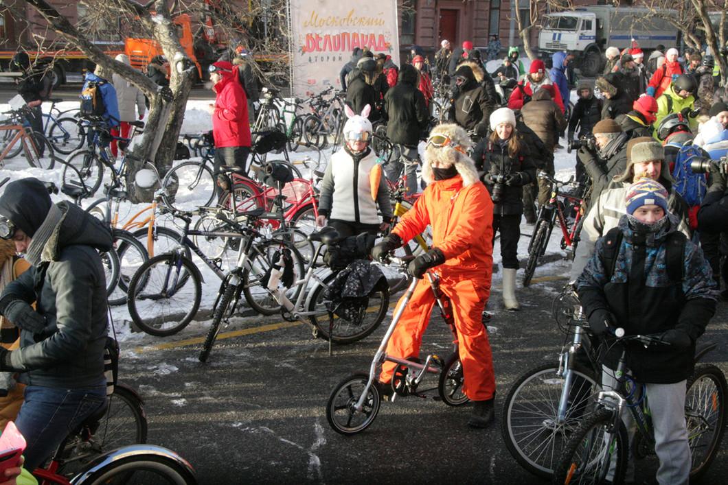 مسيرة دراجات هوائية في موسكو.. ودرجة الحرارة ناقص 27