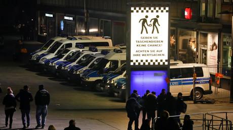 الشرطة الألمانية أوقفت مئات من المهاجرين في ليلة عيد رأس السنة 2016-2017